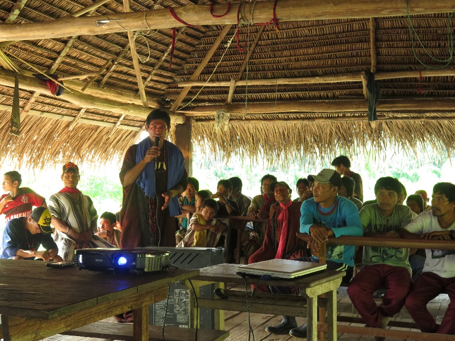 oficina-associacao-indigena-rio-envira